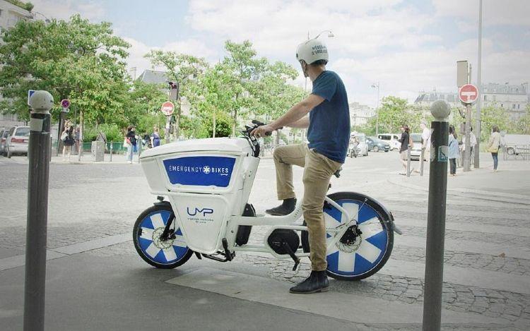 Médecins urgentiste en vélos électriques à Paris